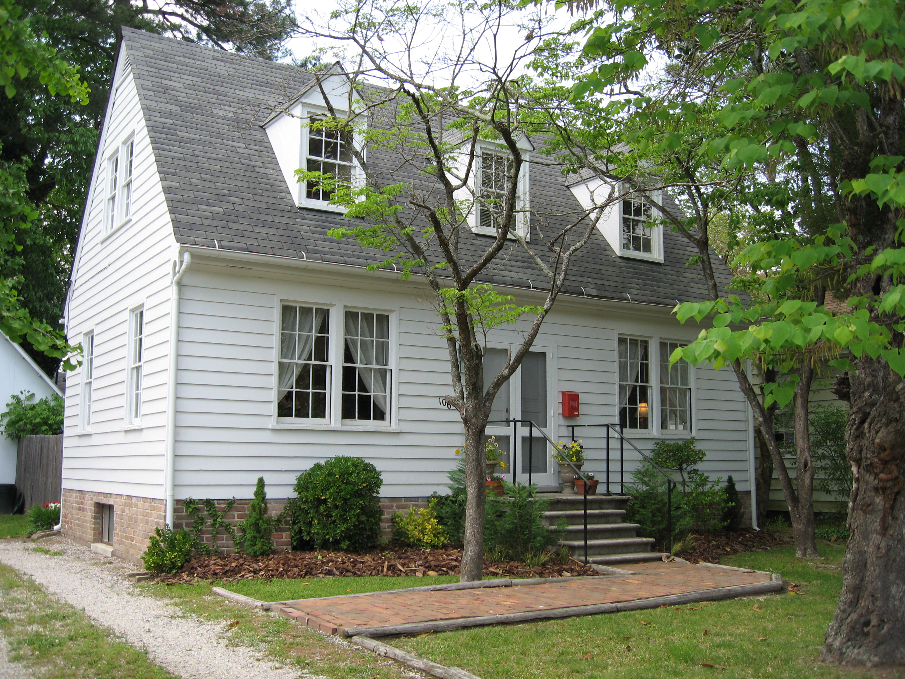 14 Delightful Small Colonial Homes Building Plans Online
